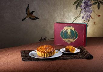 懷舊六黃白蓮蓉大月餅 配 雙式月餅 (兩件) 禮盒